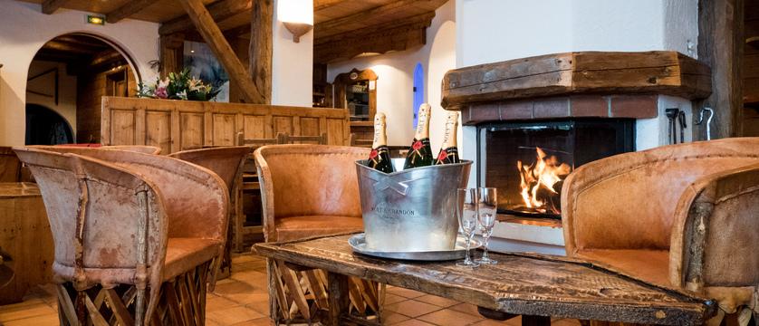 france_montegenevre_hotel_residence_merilys_lounge.jpg